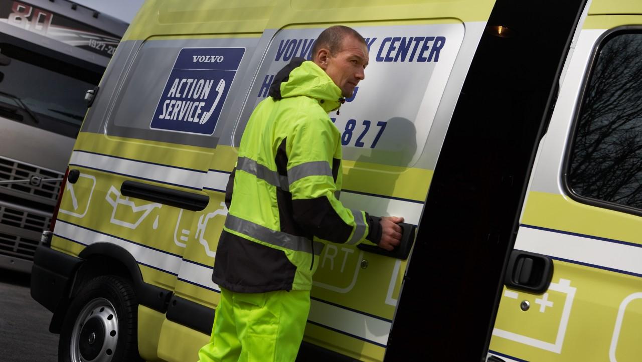 Volvo trucks managing vas service man